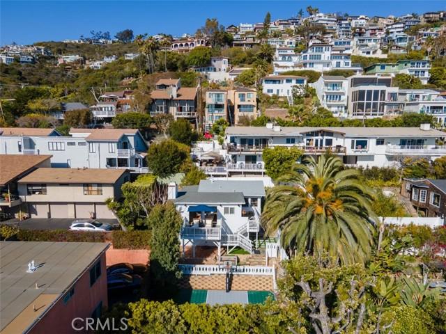 274 Upland Road, Laguna Beach CA: http://media.crmls.org/medias/c411f86f-ed96-4989-95e8-540d5783769f.jpg