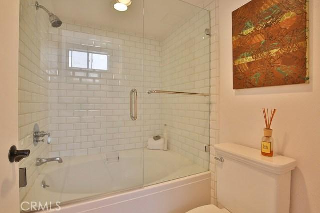 1639 Camden Avenue, Los Angeles CA: http://media.crmls.org/medias/c41d2d52-c502-4302-87ad-dade163df2a2.jpg