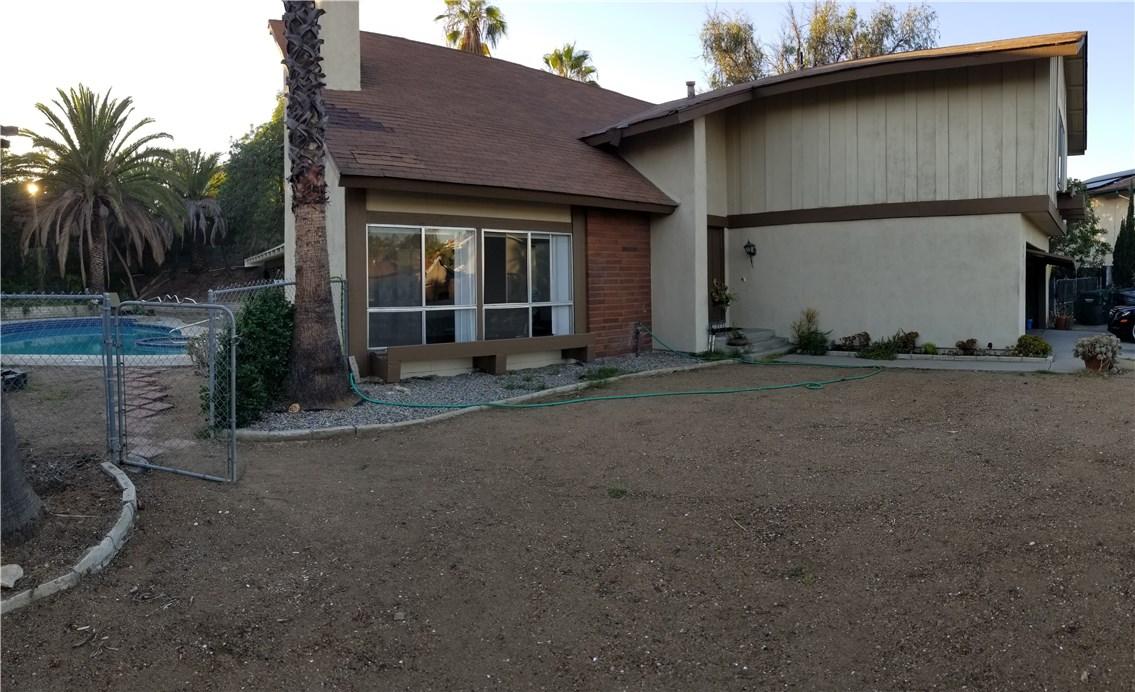 941 Baron Place, Escondido CA: http://media.crmls.org/medias/c41da9e6-a106-4c0e-80c3-f20065031ef9.jpg
