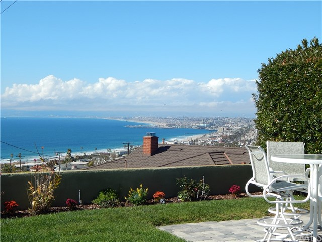 Photo of 407 Via San Sebastian, Redondo Beach, CA 90277
