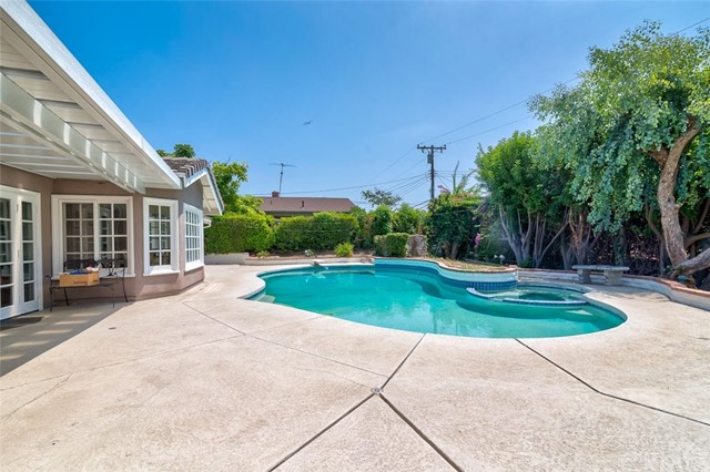 164 Villa Rita Drive, La Habra Heights CA: http://media.crmls.org/medias/c442c0da-acd4-4442-a19e-9d7008fb8d7a.jpg