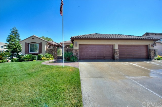 Single Family Home for Sale at 14141 Whitebark Avenue Chino, California 91710 United States