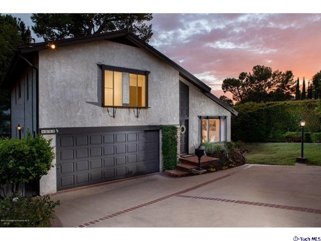 4853 1/2 Ocean View Boulev La Canada Flintridge, CA 91011 is listed for sale as MLS Listing 317007030