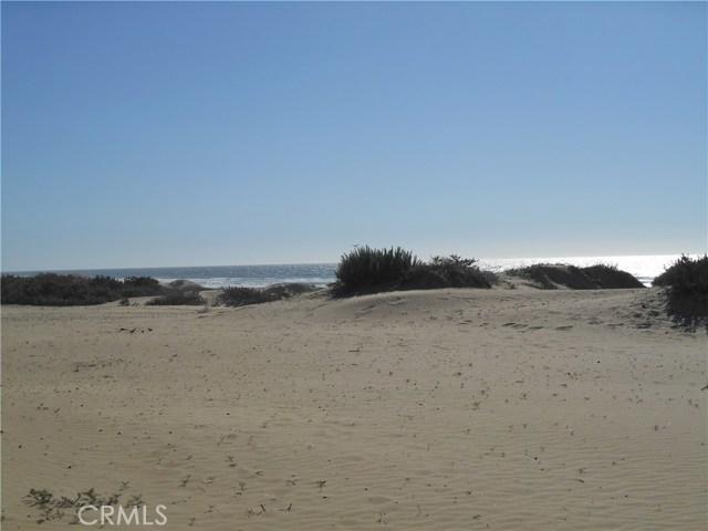 1358 Strand Way, Oceano CA: http://media.crmls.org/medias/c4602240-dc08-4171-aa7f-221af81e24c9.jpg