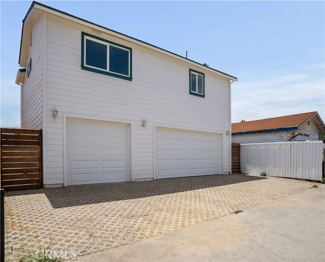 872 W 2nd Street, San Pedro, California 90731, 4 Bedrooms Bedrooms, ,2 BathroomsBathrooms,Duplex,For Sale,W 2nd Street,PV19101953