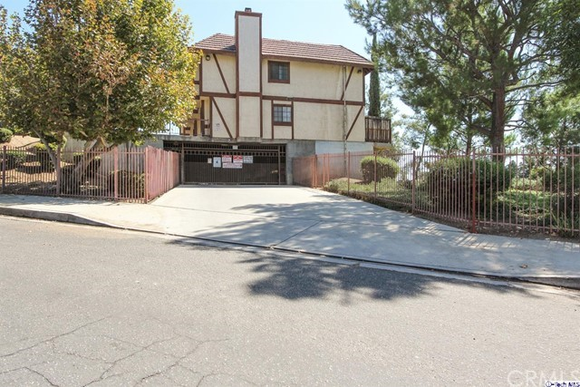 9325 Sunland Park Drive Unit 36 Sun Valley, CA 91352 - MLS #: 317006263