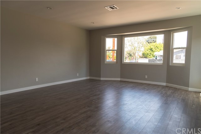 1794 W 37th Place , CA 90018 is listed for sale as MLS Listing SW18101639