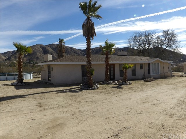 Single Family Home for Sale at 9180 Ole Street Morongo Valley, California 92256 United States