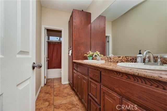 5960 Robinson Avenue, Riverside CA: http://media.crmls.org/medias/c4964b9f-f21b-4f62-92fc-4a4afe95cd94.jpg