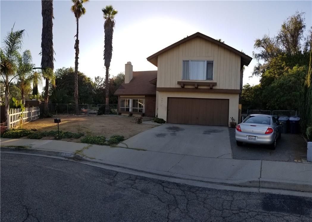 941 Baron Place, Escondido CA: http://media.crmls.org/medias/c4a14e6d-b3a6-4474-9e30-50301602b66e.jpg