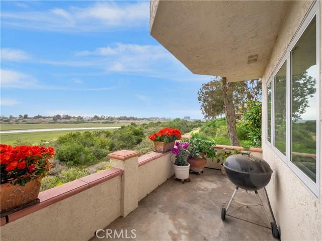 203 Nata, Newport Beach CA: http://media.crmls.org/medias/c4a65e92-be6f-47ff-96c7-d91fa00c1ca2.jpg