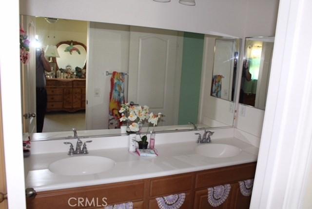 1130 Laurelhurst Heights, San Jacinto CA: http://media.crmls.org/medias/c4a97e84-6768-41a9-9820-eba6679327de.jpg