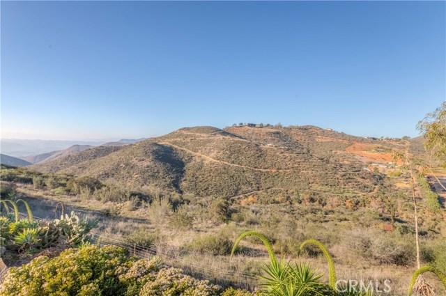 764 Rainbow Hills Road, Fallbrook CA: http://media.crmls.org/medias/c4ad58de-5dce-4a68-8661-f0fa50fe2f7f.jpg