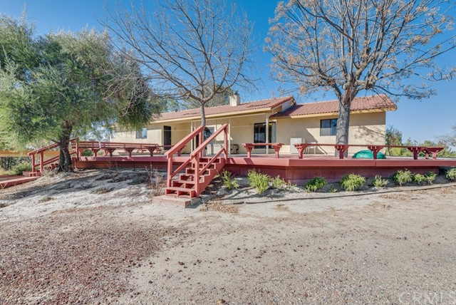 3960 Hord Valley Road, Creston CA: http://media.crmls.org/medias/c4b7db93-388a-4f0a-b6c7-429716f72374.jpg