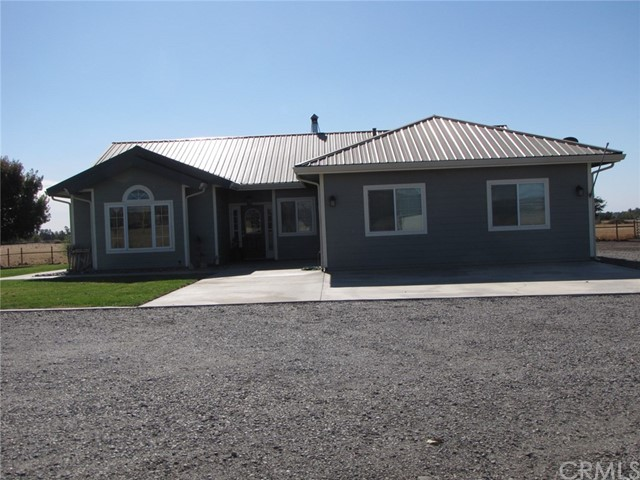 Detail Gallery Image 1 of 32 For 11399 Powerline Rd, Red Bluff,  CA 96080 - 3 Beds | 2 Baths