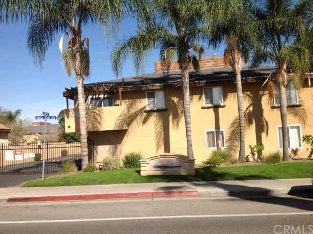 779 Gianni Drive, Corona CA: http://media.crmls.org/medias/c4c87c66-8603-469b-9fd9-cdf34ac7f352.jpg