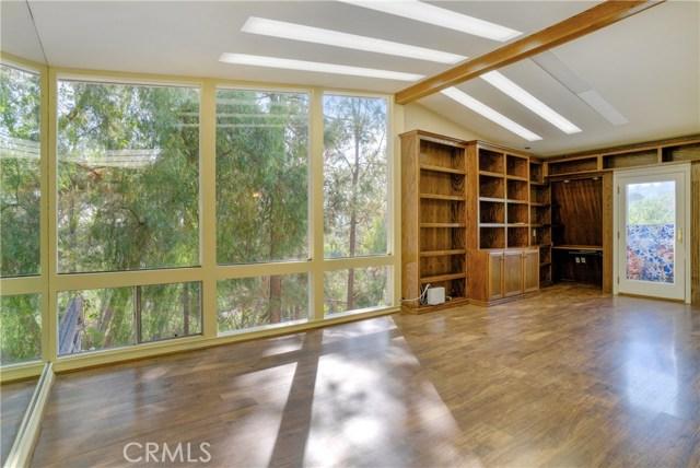 18 Ranchview Road, Rolling Hills Estates CA: http://media.crmls.org/medias/c4d27ae6-31b0-4d76-9c13-f887695b381e.jpg