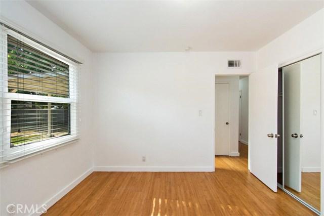 23100 Strathern Street, West Hills CA: http://media.crmls.org/medias/c4d8ddc5-691b-4d54-a1c1-cae3942c8436.jpg