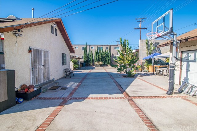 439 W Elk Avenue Glendale, CA 91204 - MLS #: CV17273911