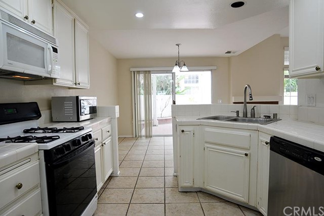 168 Almador, Irvine, CA 92614 Photo 5
