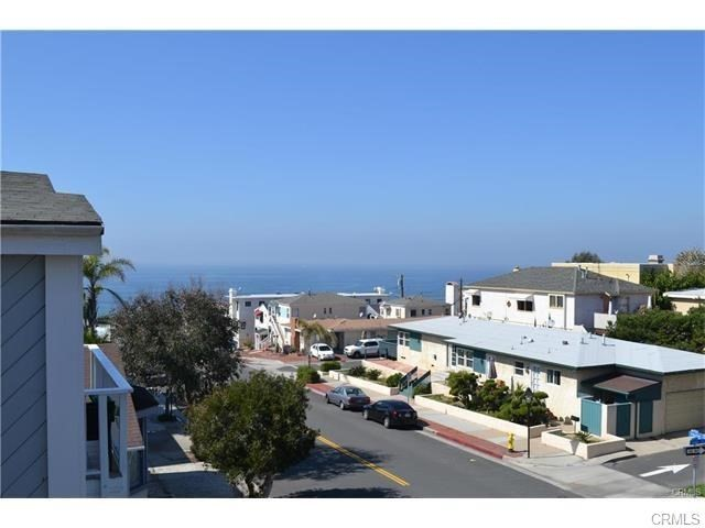 424 Marine Ave, Manhattan Beach, CA 90266 photo 2