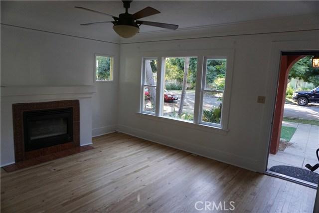 422 N 8th Avenue, Upland CA: http://media.crmls.org/medias/c4e6ef50-83f0-4ce0-abd1-5c0fa5ac82b7.jpg