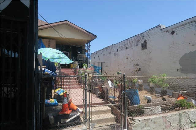 2613 E Cesar E Chavez Av, Los Angeles, CA 90033 Photo 4