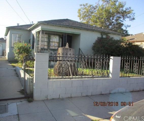 926 W Palmer Street Compton, CA 90220 is listed for sale as MLS Listing MB16763896
