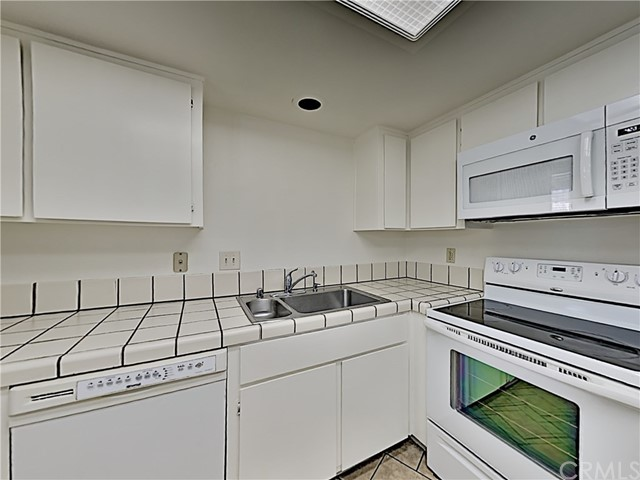 Detail Gallery Image 1 of 9 For 2485 Sequester Ct, San Jose,  CA 95133 - 2 Beds | 2 Baths