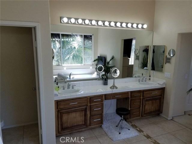 1324 Garten Drive, Placentia CA: http://media.crmls.org/medias/c500e52c-6ddd-4123-91de-a2f21d95aa79.jpg