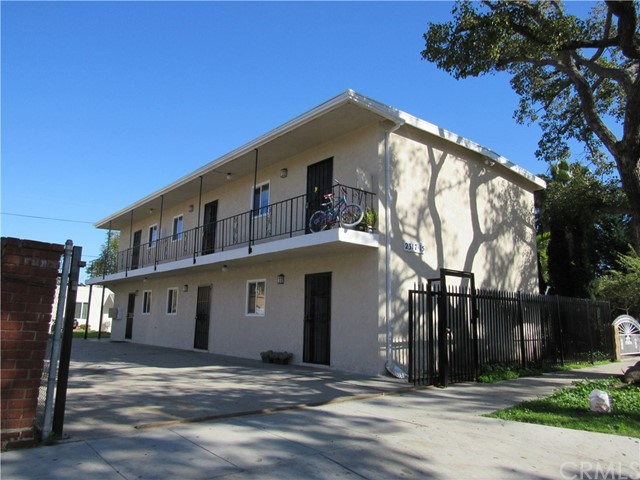 Residential Income for Sale at 2315 E Spaulding Street 2315 E Spaulding Street Long Beach, California 90804 United States