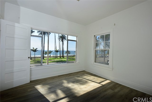 1045 Ocean Ave, Santa Monica, CA 90403 photo 42
