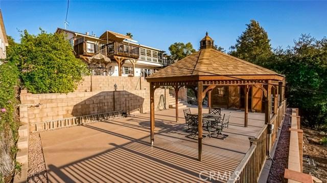 1220 Canyon Way, Pomona CA: http://media.crmls.org/medias/c52daf1f-f707-4ecb-8d4c-c3ec6789a421.jpg