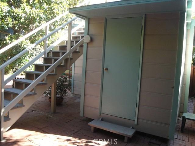 520 Oak Street, Laguna Beach CA: http://media.crmls.org/medias/c530cbff-e82b-4424-892c-3f7a5bdcc62b.jpg