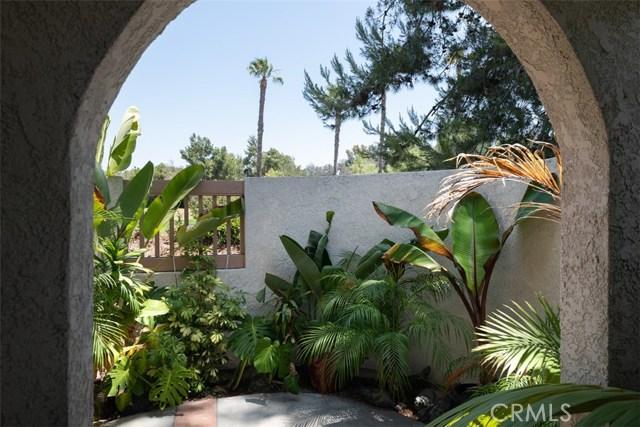 24392 Acaso, Laguna Hills CA: http://media.crmls.org/medias/c545cd42-2b27-4174-9af5-7ad1dac3947a.jpg