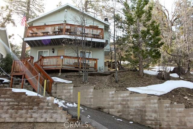 Casa Unifamiliar por un Venta en 32833 Deer Lick Drive Arrowbear Lake, California 92382 Estados Unidos
