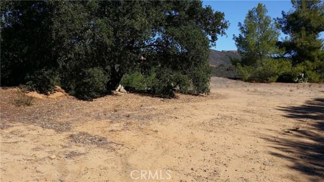 32690 Ortega, Lake Elsinore CA: http://media.crmls.org/medias/c562ece8-d674-49b9-9f57-4d1a01a769eb.jpg