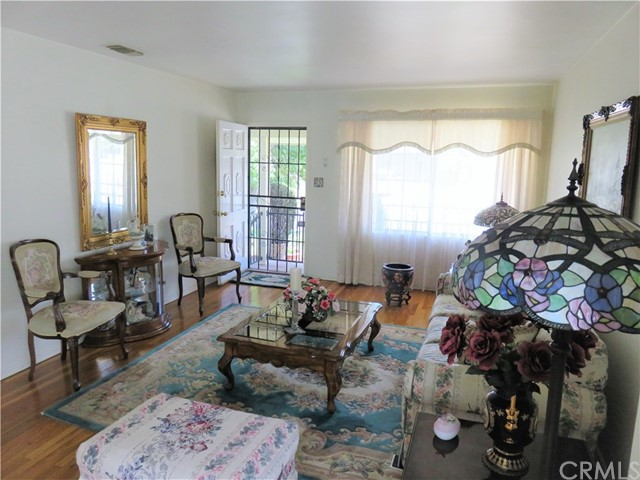 312 E Gleason Street, Monterey Park CA: http://media.crmls.org/medias/c5647fa9-2916-4f01-b28c-c0b79dbca496.jpg