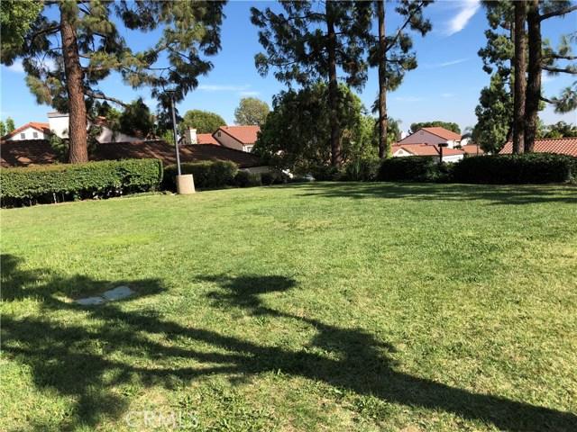 9740 Woodleaf Drive, Alta Loma CA: http://media.crmls.org/medias/c56b68a5-906f-4c84-aa43-794165cba12a.jpg