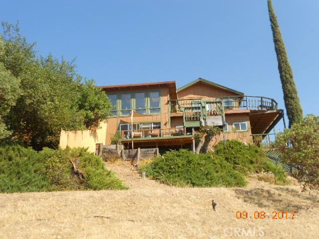 Casa Unifamiliar por un Venta en 12411 Cerrito Drive Clearlake Oaks, California 95423 Estados Unidos