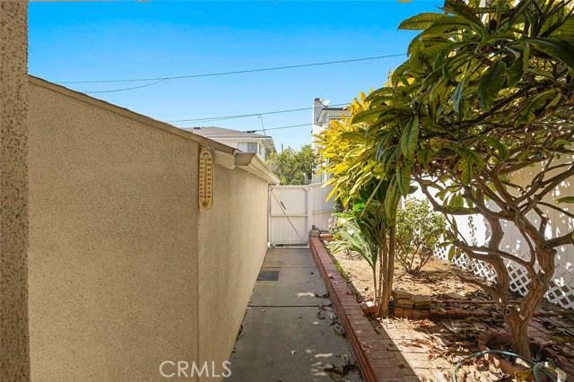 246 Beverly Street, Laguna Beach CA: http://media.crmls.org/medias/c5812189-f14b-4a09-8b5e-046b596a0941.jpg