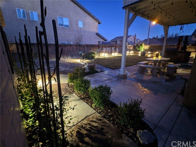 12603 Table Rock Lane, Victorville CA: http://media.crmls.org/medias/c581a878-ae83-414d-9cfb-e8e4a21ca0bd.jpg