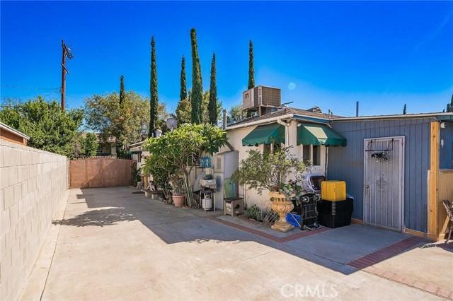 10871 Olinda Street, Sun Valley CA: http://media.crmls.org/medias/c582ebee-7e7e-424d-9563-5d48a475678f.jpg