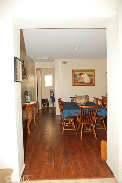 884 Parula Street, Perris CA: http://media.crmls.org/medias/c586271f-e9ca-4908-abdb-6645431d5e64.jpg