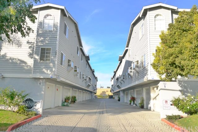 Townhouse for Sale at 8146 Cobblestone Midway City, California 92655 United States