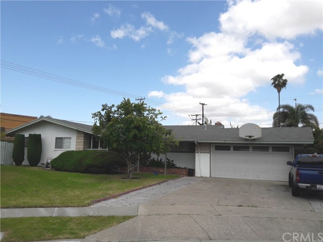 Single Family Home for Sale at 1108 Dewey Pl Anaheim, California 92802 United States