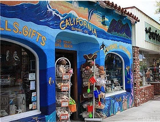325 Clipper Way, Seal Beach CA: http://media.crmls.org/medias/c5ab805b-f693-4d7c-84e8-249147858de9.jpg