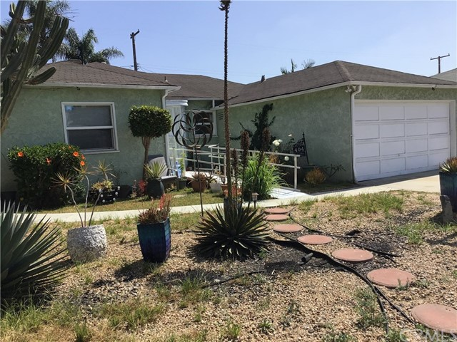 404 W Arbutus Street, Los Angeles, California 90220, 2 Bedrooms Bedrooms, ,2 BathroomsBathrooms,Single family residence,For sale,Arbutus,RS20099885