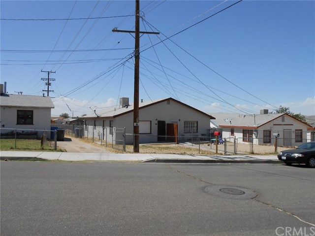 210 Avenue D, Barstow, CA 92311 Photo