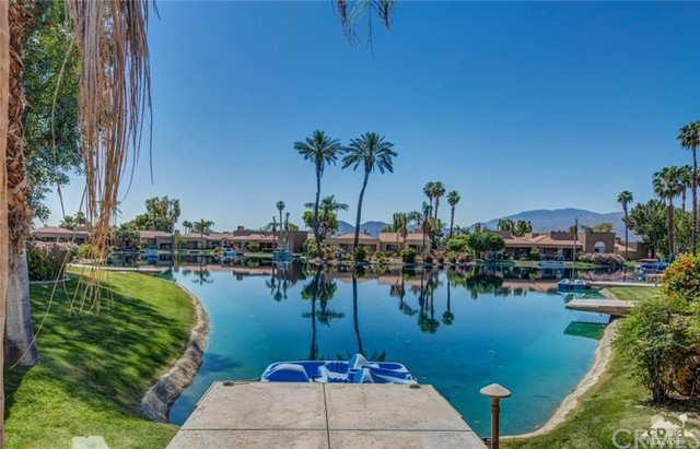 186 Desert Lakes Drive, Rancho Mirage CA: http://media.crmls.org/medias/c5c11cf1-b66e-4969-867f-5b794fc139c0.jpg